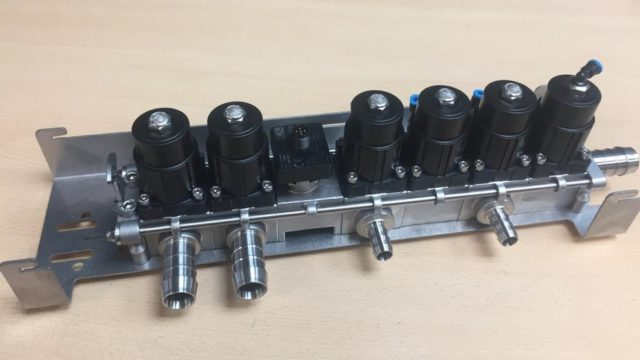 flow-controllers-p4002-pneumatic-activated-valve-three